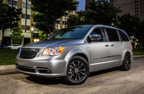 2015 Chrysler Town & Country Touring $229 Per Month
